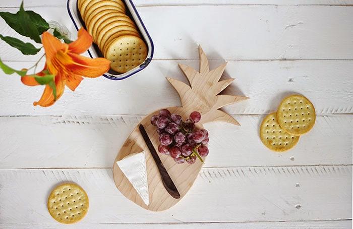 DIY Pineapple gifts Cutting Board