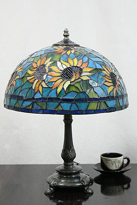 Sunflower gifts: Vintage Pastoral Sunflower Stained Glass Tiffany Table Lamp