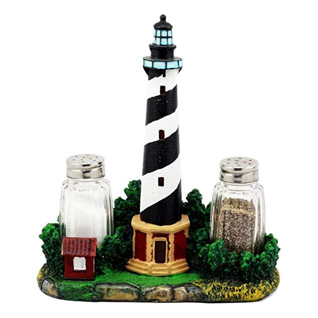 Gift for people who loves lighthouses: Cape Hatteras Salt & Pepper Shaker Holder