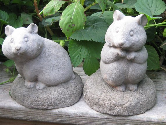Hamster lovers  gift ideas: Garden Statues