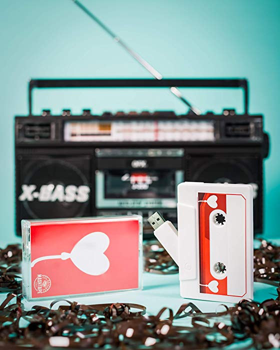 Anniversary gifts for girlfriend Mix tape