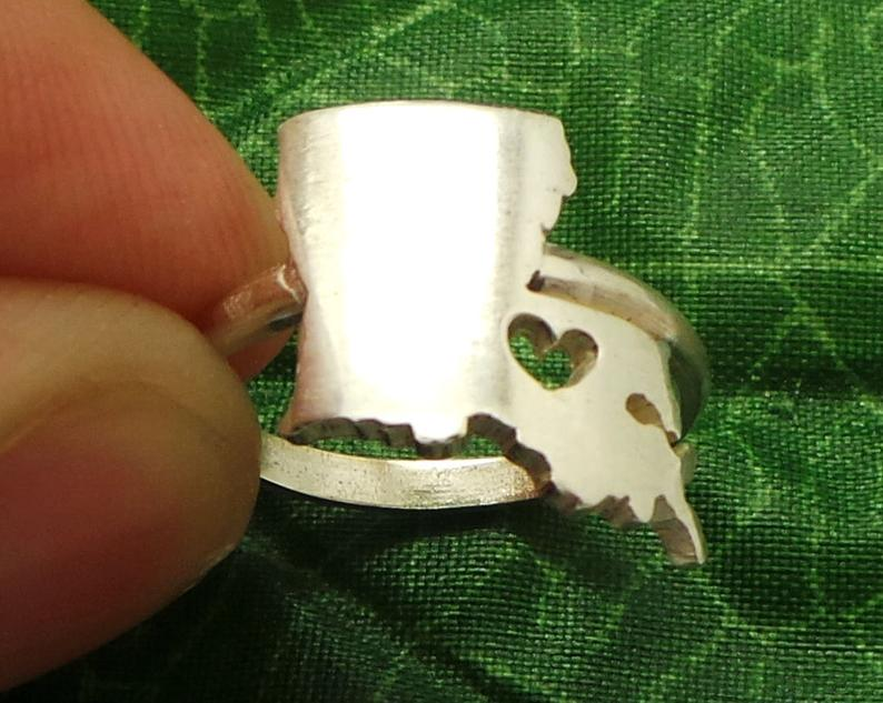 Moving out of state gift idea 15. State Cut Out Hand Ring